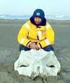 Фото из архива экипажа. 9 августа 2002 г. День рождения капитана и яхты экипаж отметил высадкой на аляскинский остров Сихорс (Seahorse). Цитата из дневника Н.Литау: