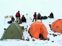 Палатки лагеря 2 на 3900